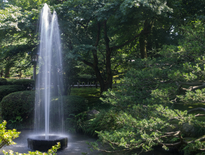 Kenrokuen natural fountain