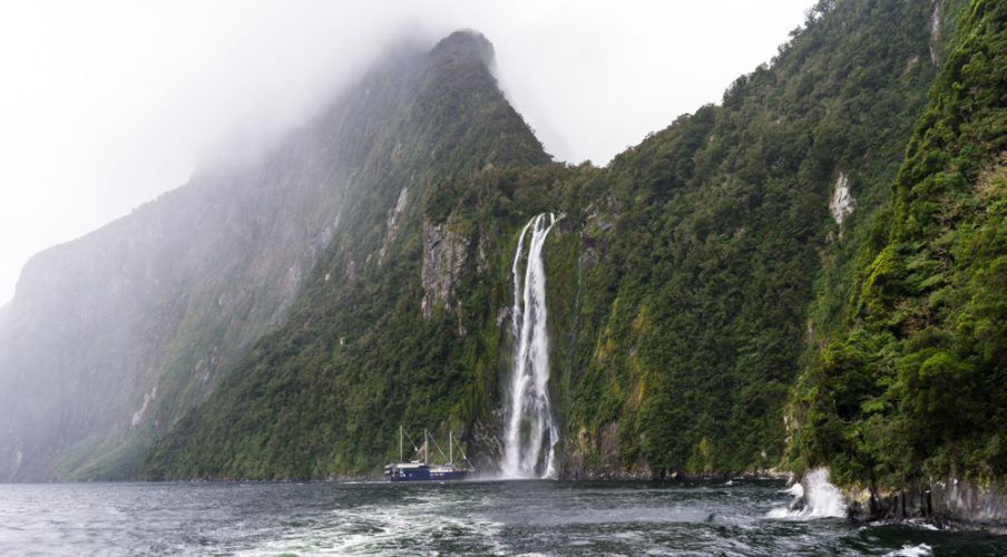 Milford Sound: Stirling Falls