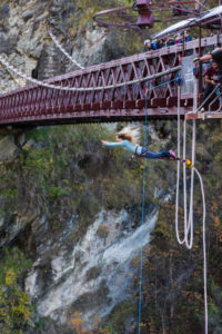 Kawarau Bridge: The lioness has lift off