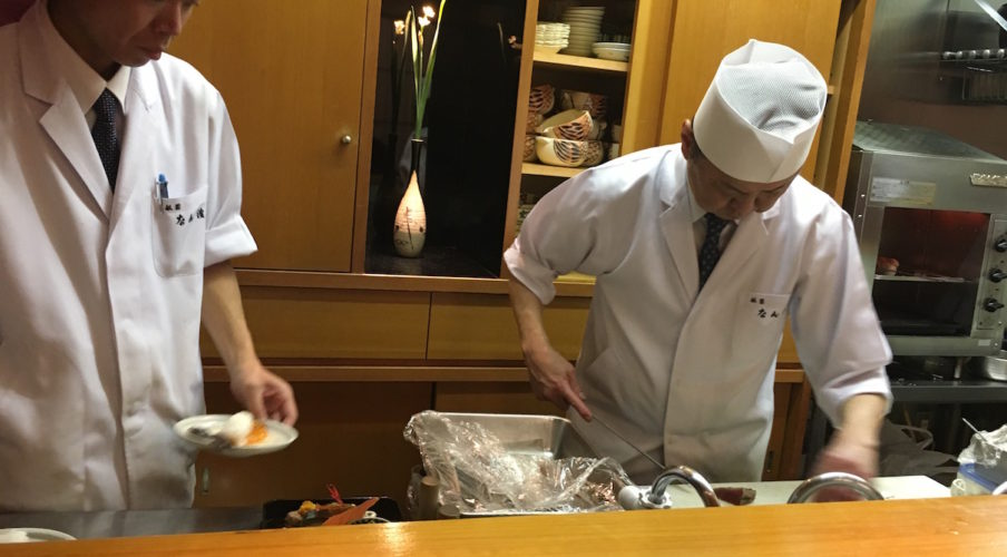 Kaiseki: Nanba slicing the sashimi
